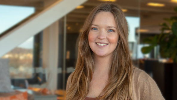 Porträttbild på medarbetaren Evelina Johansson.