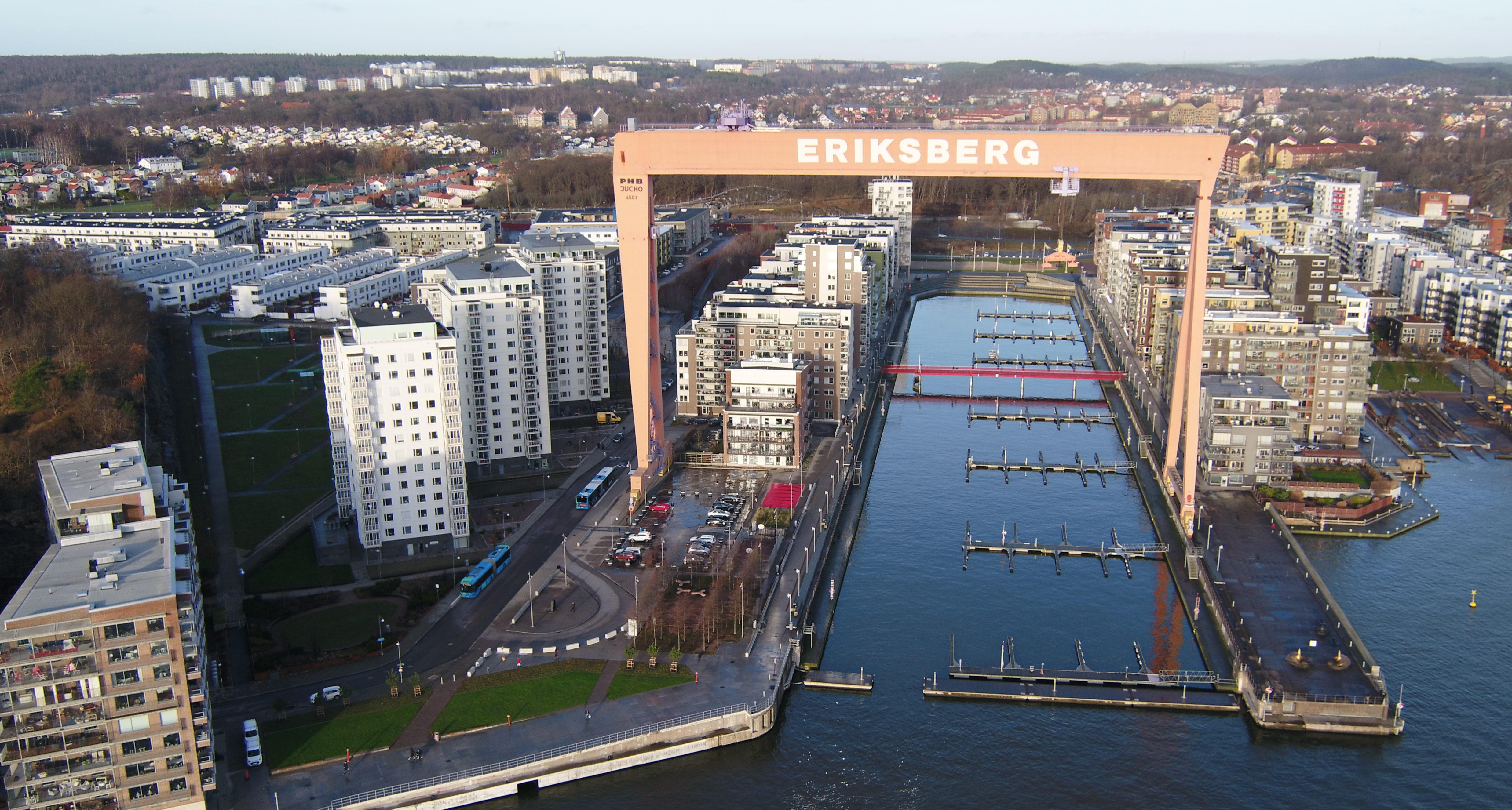 Bostadsområdet Västra Eriksberg med landmärket Eriksbergskranen